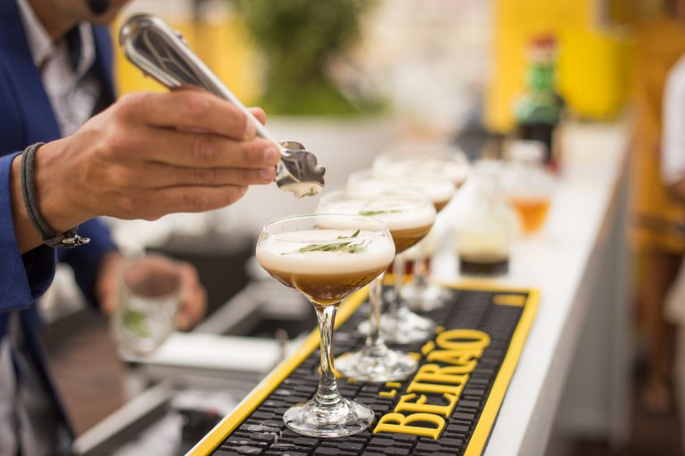 how to make an espresso martini, zipps liquor, liquor store, liquor store near me